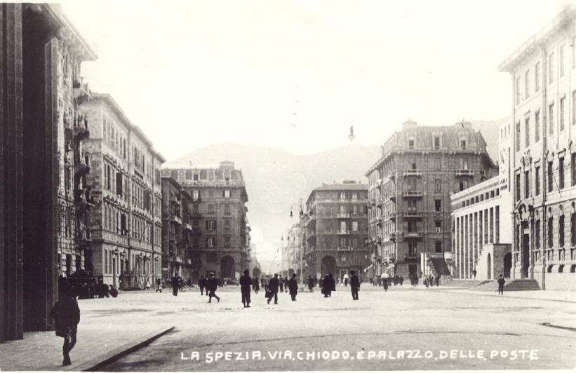 Piazza Verdi anni 30 e palazzo delle poste